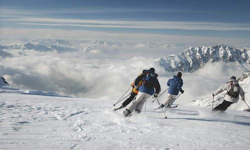 Skipass und Rodelvergnügen nahe des Erlebnisbauernhofes Südtirol