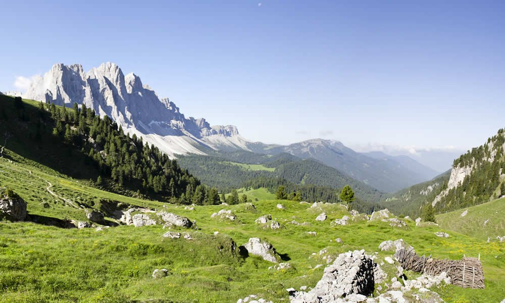 Hiking holidays Dolomites – Hiking in Funes